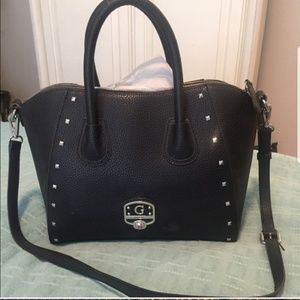Guc black leather Guess satchel